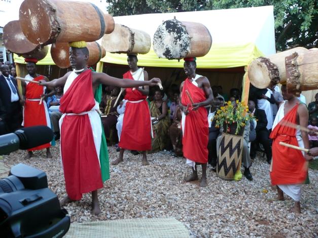 Burundian drummers, playing drums the hard way
