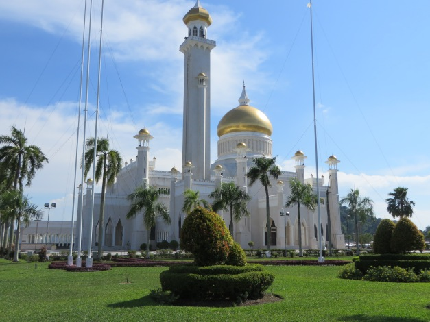 With oil money to go around the mosques can have real golden domes
