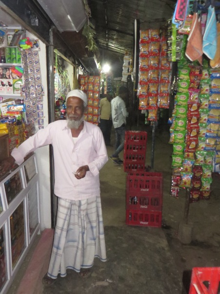 Shops, many of which seem to sell almost exactly the same things, usually stay open late into the evening